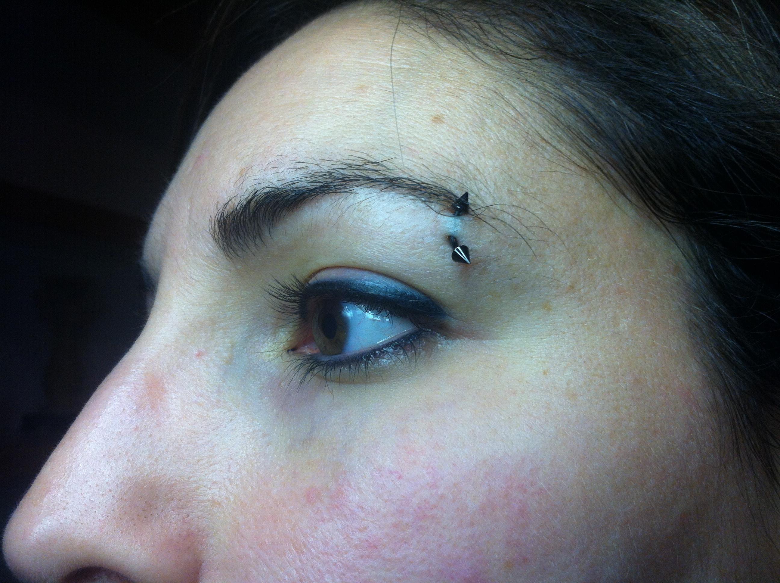 6. yeux asiatique